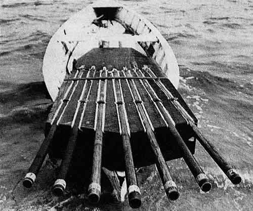 Для             стрельбы по стаям водоплавающих птиц крупнокалиберные <br             />«уточницы» собирали в батарею